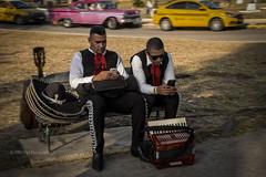 GUANABO : DEUX MARIACHIS ? (pierre.arnoldi) Tags: cuba guanabo mariachis photoderue photooriginale photocouleur photodevoyage photographequébécois canon6d objectiftamron pierrearnoldi scènederue