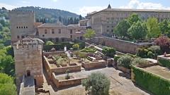 DSCF5538d Alcazaba de la Alhambra, Granada (Thomas The Baguette) Tags: granada spain granadaspain espagne espana alhambra nesrid nesridpalace patiodelosleones lionfountain comares moorish fountains architecture gardens machuca alcazaba