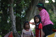 River Kids (CAMBODIA) (ID Hearn Mackinnon) Tags: river kids cambodia cambodian 2017 kom pong plok kompong siem reap angkor wat zone district area region south east asia asian children girls waterway lake culture local society people family kampuchea khmer