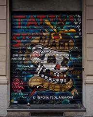 IMGP9631 Tattoo studio (Claudio e Lucia Images around the world) Tags: milano tattoo tattoostudio isola garibaldi shop window painted streetart murales graffiti street skull pentax pentaxk3ii sigma sigma1020 walkmilano