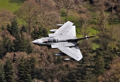 TORNADO GR4 (Dafydd RJ Phillips) Tags: za607 tornado gr4 marham raf royal air force loop mach