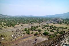 Vista desde la Pirámide del Sol (Erik Cleves Kristensen) Tags: mexico teotihuacan mexicodf