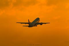 Vueling A320 (José M. Deza) Tags: 20180428 bcn elprat lebl planespotting spotter aircraft