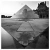 Musee de Louvre / Paris, France (Andrew James Howe) Tags: paris france architecture louvre louvrepyramid mono blackandwhite buildings