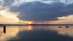 Sonnenuntergang am Starnberger See (blichb) Tags: 2018 ambach bayern deutschland fünfseenland iphone7 oberbayern sonnenuntergang starnbergersee blichb münsing de iphoneography