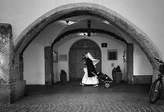 speedy (Erwin Vindl) Tags: speedy streetphotography streettogs candid blackandwhite monochrome innsbruck erwinvindl olympusomd em10markii