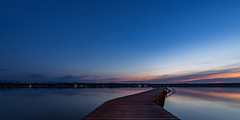 lake sunset (MyMUCPics) Tags: deutschland germany bayern bavaria natur nature drausen outdoor exterior landschaft landscape see lake wasser water 2018 april starnbergersee starnberg sonnenuntergang sunset nachtaufnahme nightshot himmel sky dämmerung dusk blau blue blauestunde bluehour