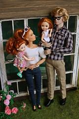 Happy family (kinmegami) Tags: integrity toys madetomove mattel madetomovebarbie maledoll homme mera doll diorama kelly chelsea obitsu 11 picconeemo hybrid family