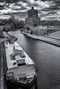 Happy Home (sdupimages) Tags: noirblanc blackwhite boat bateau london londres canal river rue street cityscape paysage urbain bw nb sky ciel nuages clouds