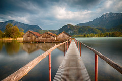 Kochelsee_Fischerhaus_2 (Anna Margritta) Tags: hut boathouse stage lake water mountain berge see bootshaus steg margritta