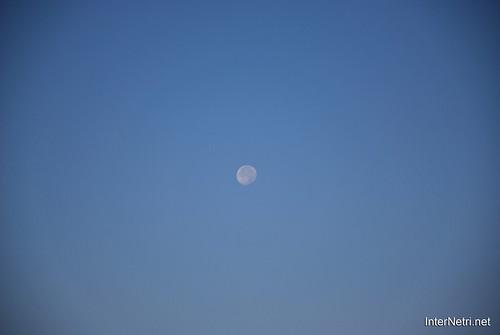 Небо Місяць удень InterNetri Ukraine  52