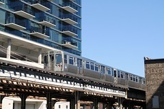 Brown Line heading to the Loop. (Cragin Spring) Tags: city chicago chicagoillinois chicagoil illinois il unitedstates usa unitedstatesofamerica urban midwest l elevated el subway chicagosubway building train chicagotransitauthority cta brownline