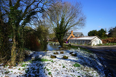 Wallington Pond (Jayembee69) Tags: hertfordshire herts wallington snow cold freezing march england english britain british gb uk unitedkingdom village pond frost