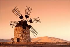 Molino (Sandra Lipproß) Tags: molino windmill windmühle fuerteventura lasislascanarias canaryislands kanarischeinseln tefía travel reise sunrise sonnenaufgang molinodeviente sandralippross
