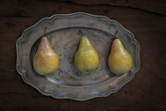 P80A7091 (TonivS) Tags: antonvanstraaten fineart stilllife fruit pears