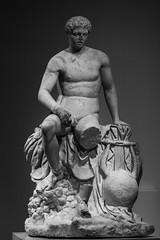 Hermes con una lira (Fernando Two Two) Tags: hermes escultura sculpture mercurio mercury myth god greek roman romano lisipo lisipus rome lira lire