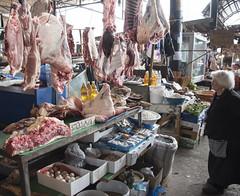 de anatomische les (=Mirjam=) Tags: nikond750 georgia telavi butcher bazar meat sliceoflife culture life roadtrip travels travelingaround mei 2018