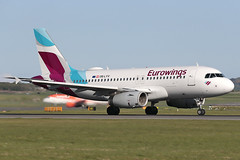 Airbus A319-132 OE-LYV Eurowings Europe (Mark McEwan) Tags: airbus a319 a319132 oelyv eurowings eurowingseurope edi edinburghairport edinburgh aviation aircraft airplane airliner
