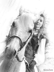 Amazona (kinojam) Tags: retrato portrait chica girl amazona jinete medieval jaca primerviernesmayo belleza beauty caballo horse bn bw kino kinojam canon canon6d