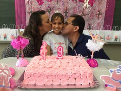My niece's 9-year-birthday party. (eROV65) Tags: niece sobrinha aniversário birthday party festa parents nonoaniversário 9thbirthdayparty 9yearsold luizantônio sãopaulo sp br brasil brazil cake bolo festatemática balé ballet balletdancing rosa pink balletdancer bailarinaclassical dancertheme 5ºsérie quintasérie fifthgrade 5thgrade família family