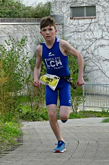Leader (Cavabienmerci) Tags: triathlon triathlete triathletes wallisellen walliseller zurich 2018 switzerland suisse schweiz kid child children boy boys run race runner runners lauf laufen läufer course à pied sport sports running