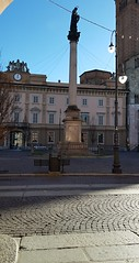 Sampietrini al Duomo (Aellevì) Tags: piazzaduomopiacenza selcio statua assunta