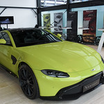 Aston Martin V8 Vantage thumbnail
