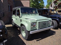 Land Rover Defender Heritage Edition (Skitmeister) Tags: car auto pkw voiture jeep landrover 4x4 awd defest skitmeister