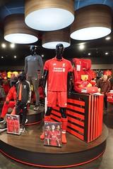 Liverpool (NoDurians) Tags: liverpool liverpoolfc merchandising store shop mannequins