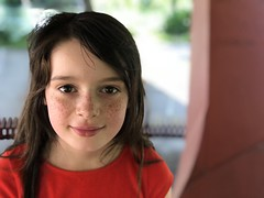 Mady at Alton Baker Park (pete4ducks) Tags: eugene oregon mady spring madelyn 2018 iphone altonbakerpark park