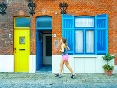 Run baby run... (frika.) Tags: samsungs7edge samsung smartphone running run runner baby girl belgium yellow lightblue pink sporty street streetphotography