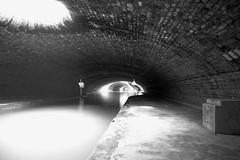 Sous le Canal Saint Martin (Shooting photo à petit prix) Tags: canal saint martin sous paris interdites interdit eau beauté puits de lumieres lumiere