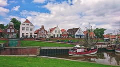 Haven Greetsiel ⚓ (Jos Mecklenfeld) Tags: greetsiel aurich germany deutschland duitsland haven sonyxperiaz5 xperia ship schiff boot vissersboot trawler