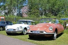 Citroën ID19F Break 1962 (DE-41-50) & ID19 Cabriolet 1959 (AR-29-10) (MilanWH) Tags: citroën id19f break 1962 id ds de4150 id19 cabriolet 1959 ar2910 citromobile vijfhuizen citromobile2018