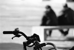 """ il campanello... "" (Davide Zappettini) Tags: bicycle street people urban bw blackandwhite bianconero ilford fp4 filmphotography davidezappettiniphotography"