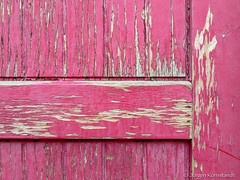 (Jürgen Kornstaedt) Tags: 6plus iphone blagnac occitanie frankreich fr pink peeling paint door