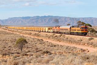 2207 GM37 8M32s empty ARTC Ballast Train Stuart Highway West Augusta-C RAW 17 04 2018