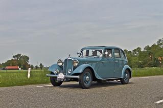 Rover 14HP Streamline Saloon 1934 (0037)
