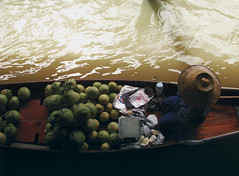 The One with the Pomelos (Angelk32) Tags: damoensaduak floatingmarket river canals bangkok thailand travel canon pointandshoot s5is pomelos southeastasia