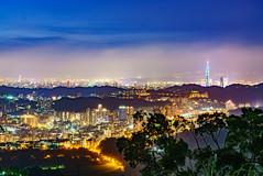 Misty Taipei (Vincen Chuang) Tags: taiwan taipei taipei101 misty nightscenes nightscape nightview night sony skyline a7rii a7r2 zeiss otus1455 otus thebeautyoftaiwan 台灣 台北 台北101 台灣之美 夜景 夜色 天際線 迷霧 蔡司