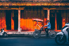 Traditional Tricycle In Old Quarter, Hanoi (Iftakhar Hasan) Tags: asia vietnam hanoi hànội oldquarter street tricycle cyclo sony sonyα6300 sonyepz18105mmf4goss