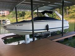 6600 UL2, 272 Cobalt on a HydroHoist boat Lift
