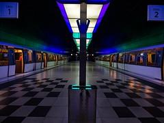 Hamburger U-Bahn (jannesbauer) Tags: hamburg stadt ubahn metro olympus light night langzeitbelichtung elphi hamburger hafen hafenquartier lampe fototour