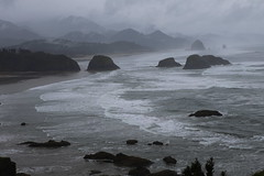 Haystack Rock, Cannon Beach, Oregon (Symbiosis) Tags: haystackrock cannonbeachoregon cannonbeach ecolastatepark hiking oregon oregoncoast pacificocean canonm100 m100 april 2018