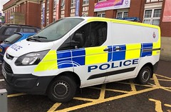 5960 - GMP - MF17 MGU - Bury - 31284709 (2) (Call the Cops 999) Tags: 999 112 emergency service services vehicle vehicles uk gb united kingdom great britain england north west greater manchester 101 police gmp ford transit cell response van mf17 mgu bury constabulary law enforcement and order policing battenburg led lightbar crest