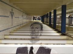 201804174 New York City subway station 'Broadway–Lafayette Street' (taigatrommelchen) Tags: 20180416 usa ny newyork newyorkcity nyc manhattan nolita icon urban central perspective railway railroad mass transit subway tunnel station art