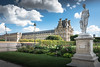 Les jardins du Louvre (geraniumjoecose) Tags: paris louvre pyramide canon eos70d efs18135mmf3556is urbain architecture monuments ville statue