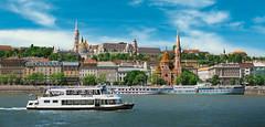 Buda (P. Mendizabal) Tags: budapest danubio danau rio river barco ship iglesia