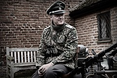 One for the camera's. (Steve.T.) Tags: ss templeatwar2018 taw18 templeatwar wermacht waffenss reenactor secondworldwar worldwartwo germanarmy nikon d7200 sigma18200 secondworldwarreenactment machinegun cressingtemple essex posing uniform maninuniform