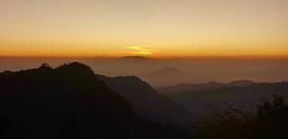 INDONESIEN, Java, Sonnenaufgang am Gunung BROMO (serie), 17397/9947
